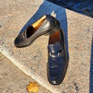 Salvatore Ferragamo black leather loafers. 10.5 B